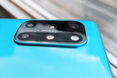OnePlus 8T - Test - Mestadels välkomna designförändringar