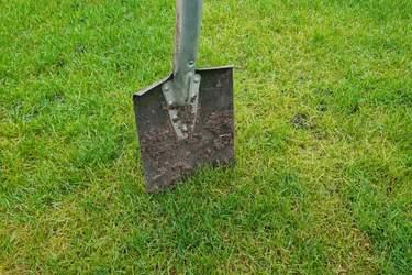"""Vanliga orsaker till """"ingen slingsignal"""" - Felsökning av robotgräsklippare - så hittar du kabelbrott"""