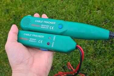 Sista utvägen: införskaffa kabelsökare - Felsökning av robotgräsklippare - så hittar du kabelbrott