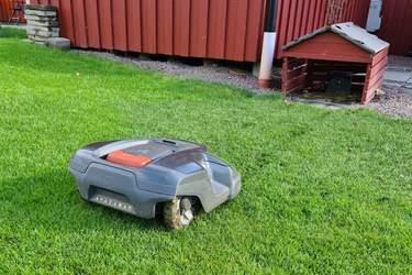 Installera robotgräsklippare - så här gör du, steg för steg - Patrik Hedin guidar