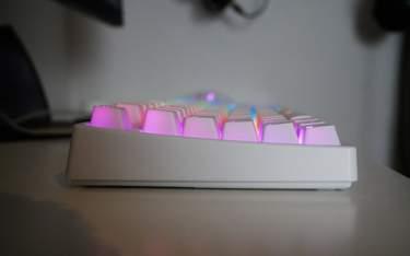 Xtrfy K4 TKL RGB - Test - Stabilt men med hög profil